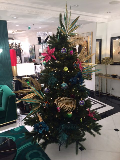 LE SAPIN TROPICAL PAR ROMEO ROYAL GALLERY